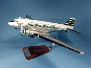 DOUGLAS DC-3 T.A.I  immat F-BJUT