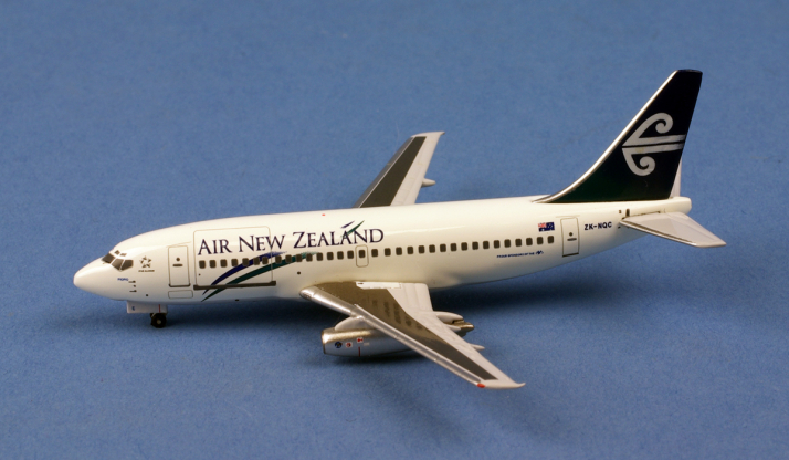 BOEING 737-200 AIR NEW ZEALAND ZK-NQC au 1/400